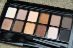 Phấn mắt Maybelline The Nudes Palette 12 màu